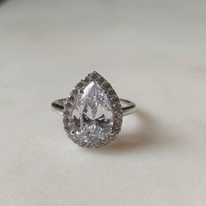 Pear ring size 6